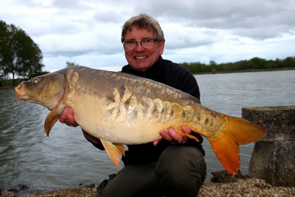Carp Fishing in France with accommodation at Vincons