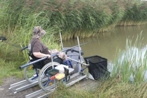 DISABLED ANGLERS FISHING PLATFORM