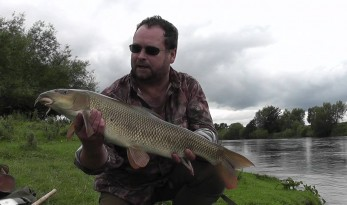 Barbel fishing bait and tackle