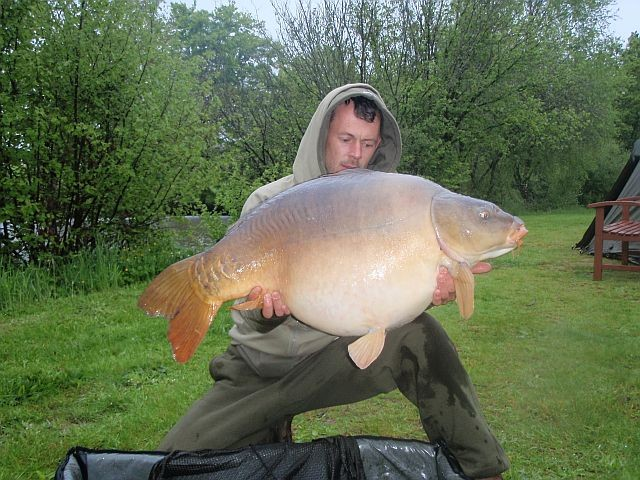watersmeet carp fishing with house accommodation