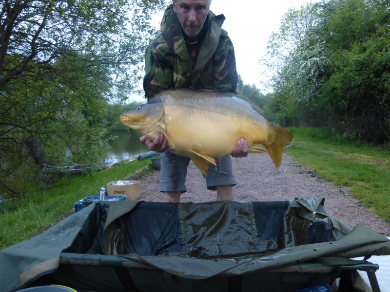Carp Fishing in France at Villefond