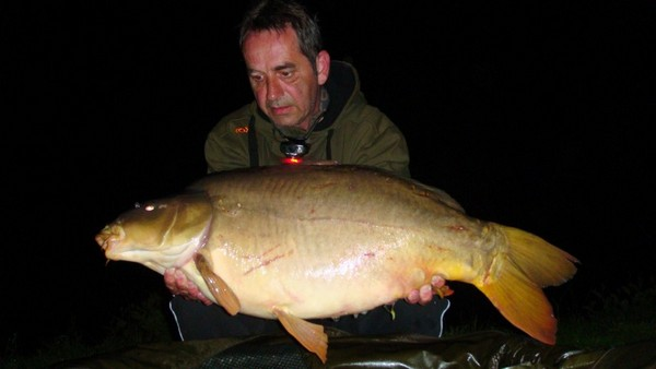 Golden Oak Carp Fishing Holidays