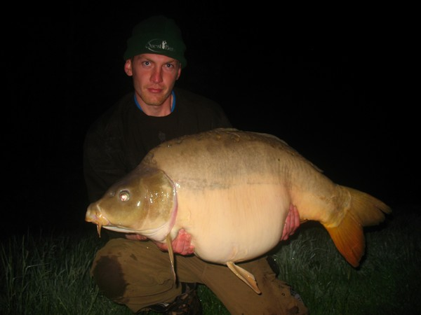 Big Carp Fishing in France at Beaurepaire