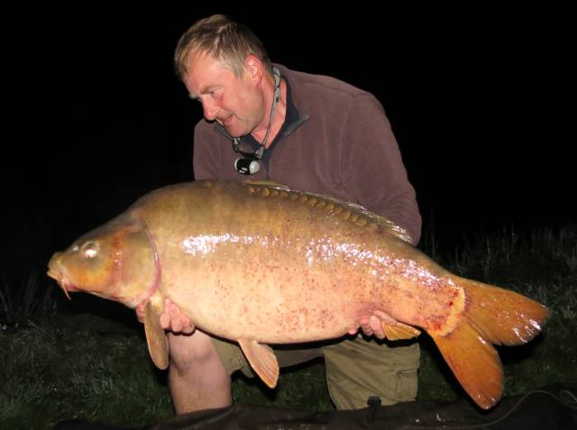Early hours of Saturday morning produced this 40lb 2oz carp on Squid and Orange