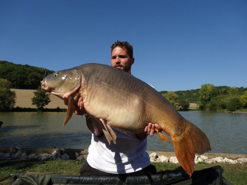 Mas Bas Carp Fishing in France with Good Accommodation