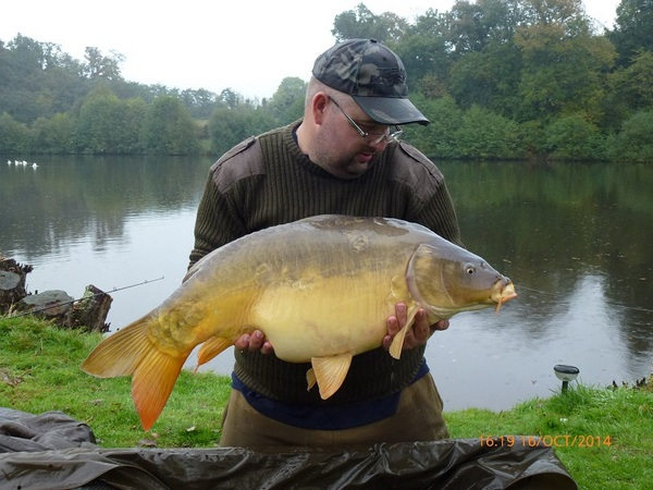 Carp fishing holidays in France at Golden Oak