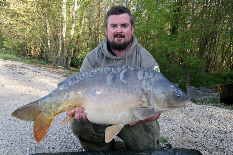 carp fishing in france at Brocard Large