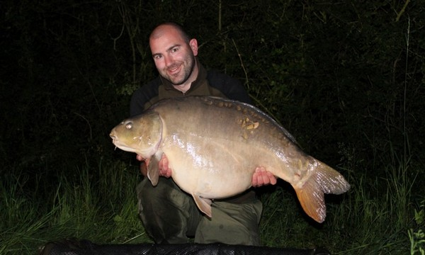 carp fishing in france at blue lake mike linstead