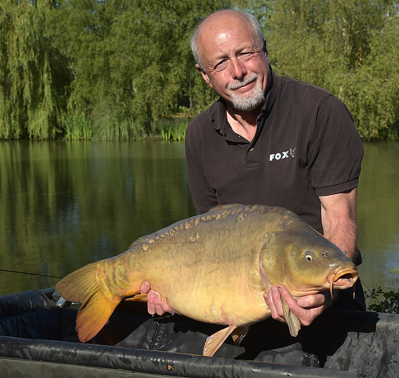 carp fishing in france at lillybelle bill 30lb