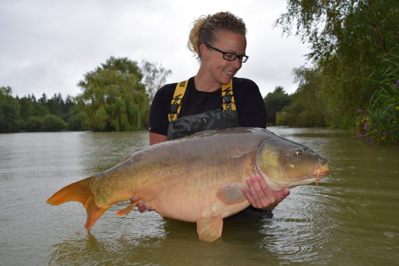 carp fishing in france at Lillybelle
