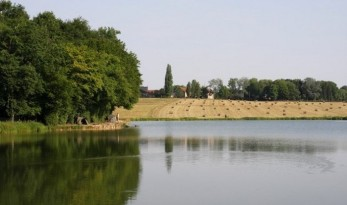 private carp lakes in france