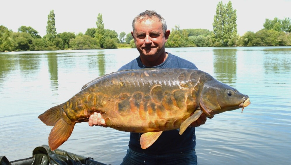 carp fishing laroussi lake