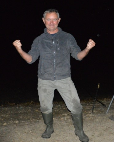 taken straight after the capture of my second 50, off La Plage gravel feature. 1 and half hr's apart, last night, Friday, July 2015. I took three more fish to take 49 Carp that week : - ) 107 Carp for 2015.