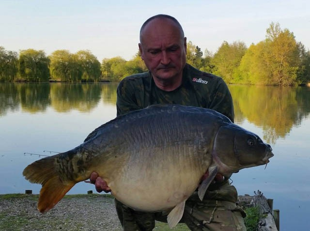 French carp lakes Molyneux