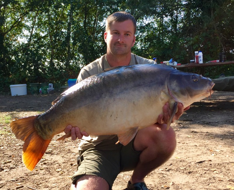carp fishing holidays France old oaks