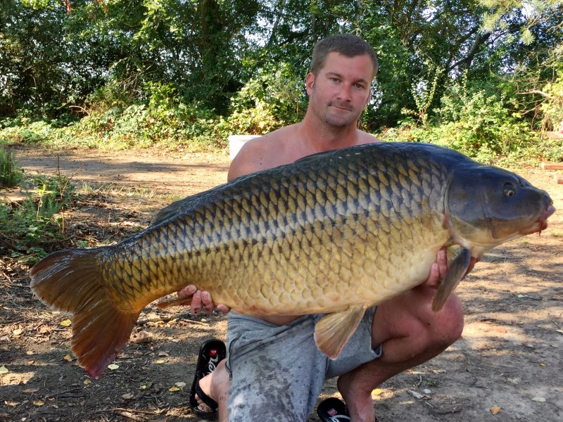 big carp fishing old oaks france