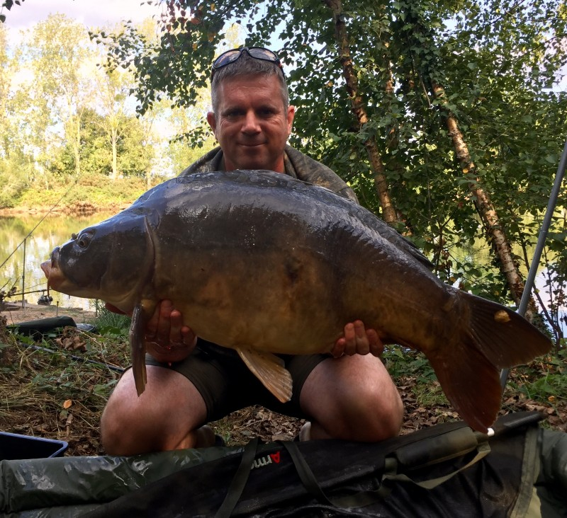 French carp fishing Old Oaks Lake