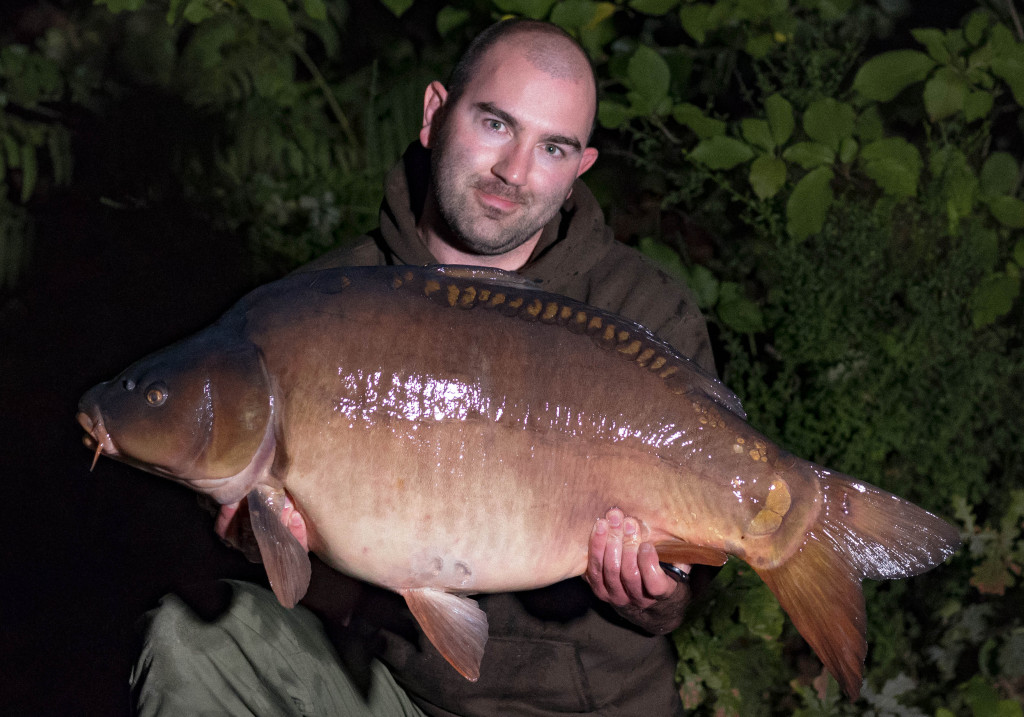 Mike Linstead - 39lb 2oz Mirror Carp at Vaux Lake in France
