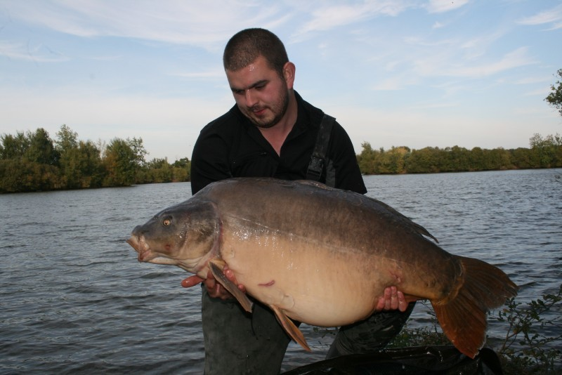 Laroussi big carp fishing france