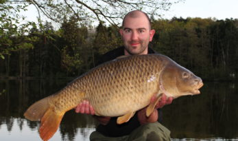 Angling Lines Field Tester Mike Linstead with a 30lb Common Carp from La Fonte, France