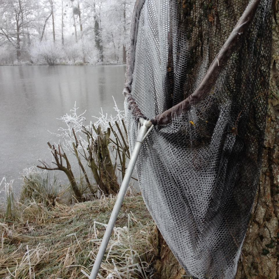 carp fishing in france at Bletiere winter