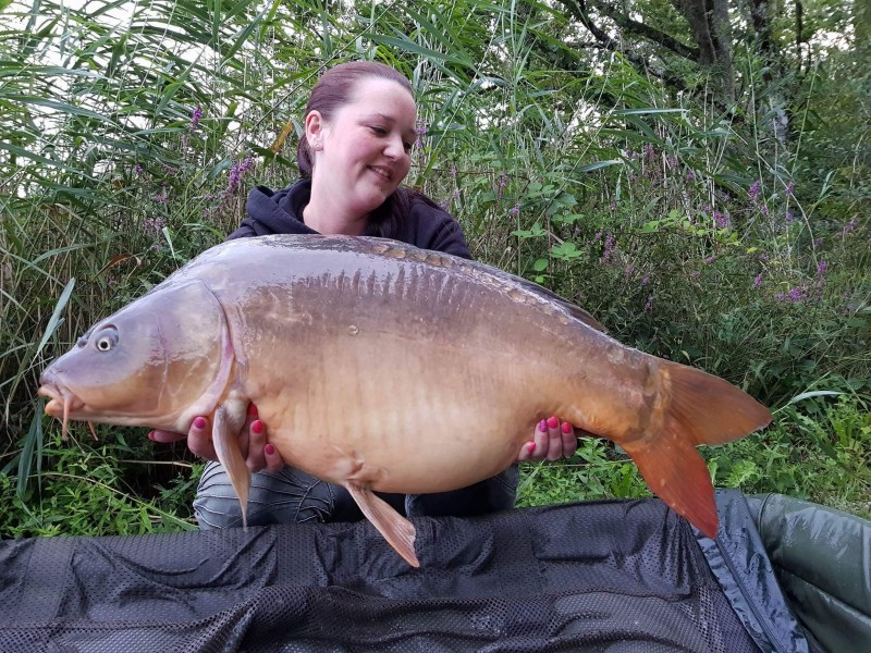 barringtons carp lake in france