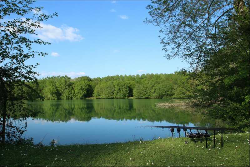 French carp lake Villereal